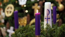 Advent-Wreath-first-candle-Advent-Sunday